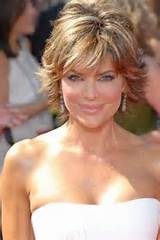Short layered hairstyles for women over 40 pictures 3