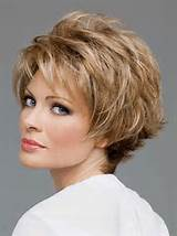Cute short hairstyles for mature women