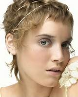 very short hairstyle for brides with headband
