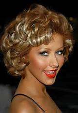 Medium Short Curly Hairstyles for Women