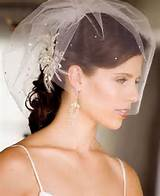 wedding-hairstyles-with-veils-for-short-hair