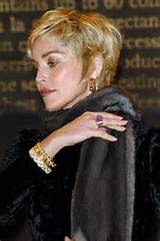 Short Haircuts For Women Over 50 With Wavy Hair …