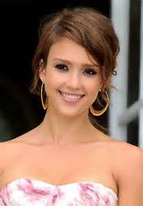 Picture of Cute Hairstyles with Side Swept Bangs/Bauer Griffin ...