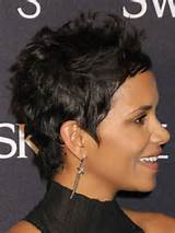 Halle Berry's short crop puts the focus on her perfectly ...