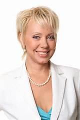 Tags : Elegant Short Hairstyles for Mature Women