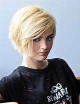 30 Short Hairstyles for Winter: Short Haircut with Side Swept Bangs