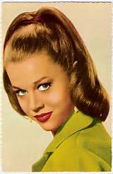 12 1950s hairstyles 195x300 12 1950s hairstyles