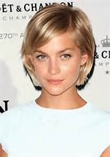 ... Short Haircuts: Leigh Lezark'sShort Bob Cut with Side Swept Bangs