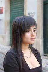 Choppy layered hairstyles with side swept bangs pictures 4