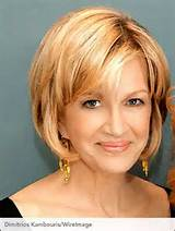 Best-Short-Haircuts-for-Older-Women-4
