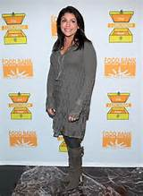 Rachael Ray attends a benefit for the Food Bank of New York in ...