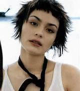 Lovely-Spiky-Short-Hairstyle-with-Short-Bangs.jpg