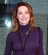 Youthful hairstyle for older women - Sharon Lawrence