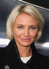 very-short-hairstyles-for-women-over-40-405