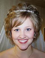 bride short hairstyles with veil