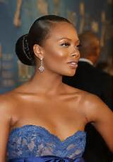 Take a look at these celebrities wearing the bun!