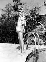 grace-kelly-pool-style