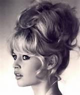 Bouffant Hairstyles For Women - Retro Inspiration (6)