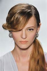 All Best Hairstyles For Graduation Cap Images
